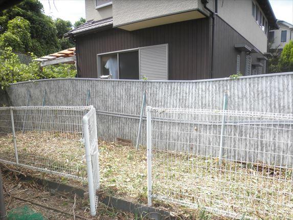 フェンス横A2